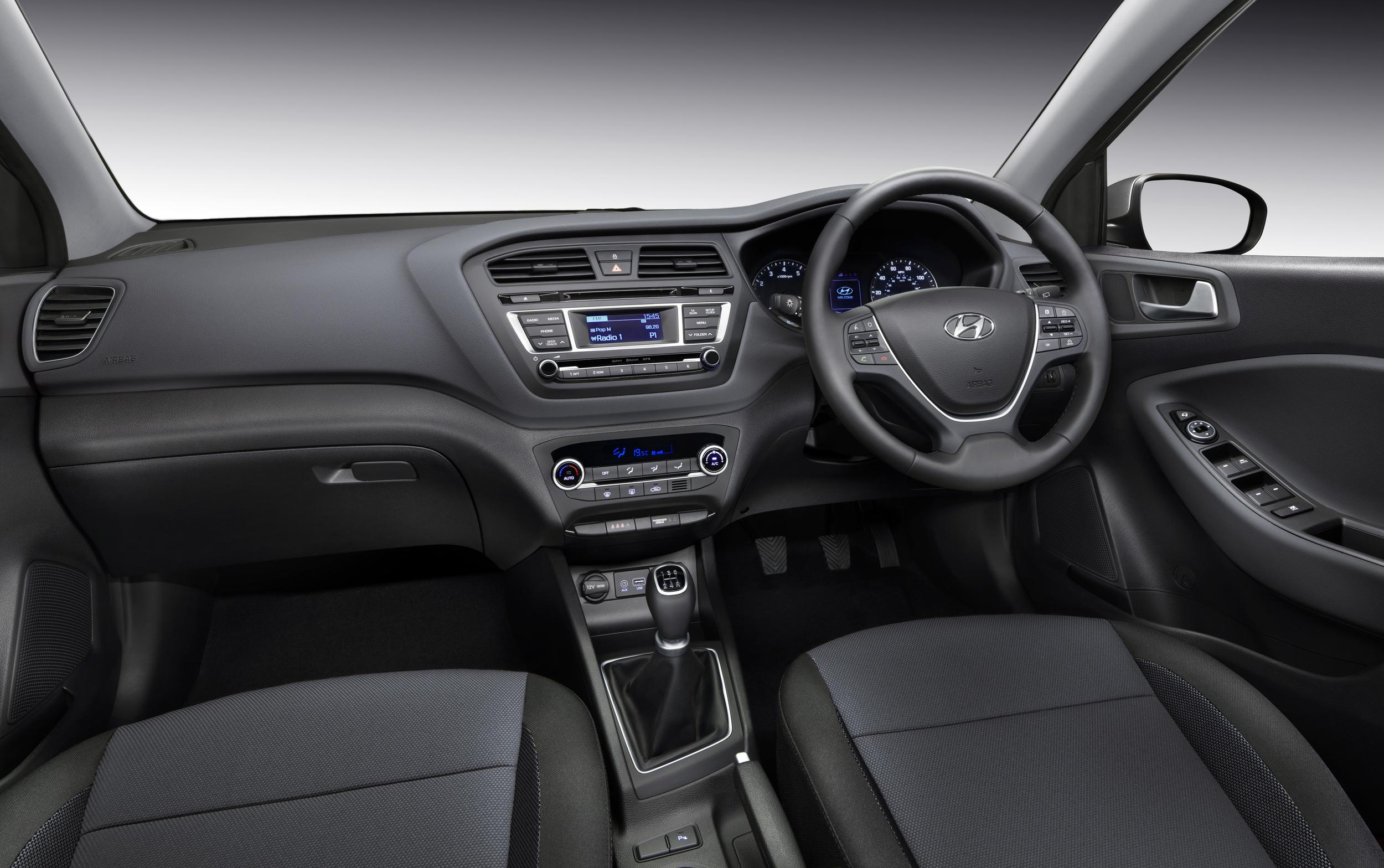 Explore the hyundai i20 from 9 995 hyundai uk - Hyundai i20 interior ...